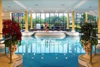 manchester airport marriott pool